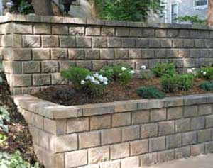 AB Fieldstone retaining wall with corners